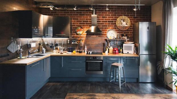 Декоративный лофт кирпич на кухне